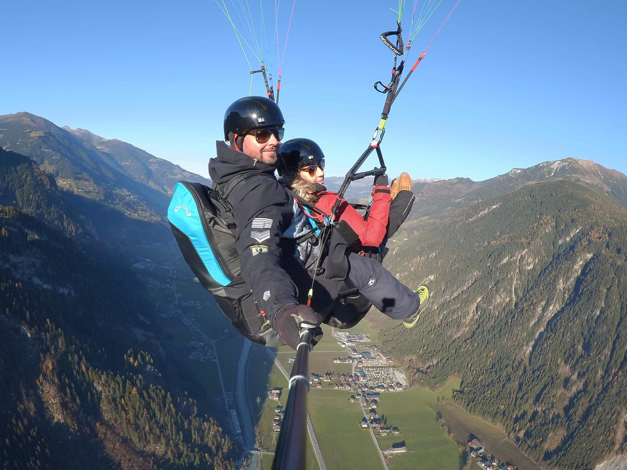 Tandem Paragliding in Mayrhofen im Zillertal - Selfie